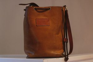 bucket-bag-gloria-beuteltasche-prototyp-no-guts-no-glory-7310