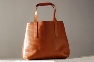 greta-tote-bag-mit-und-ohne-taschenspanner-7304