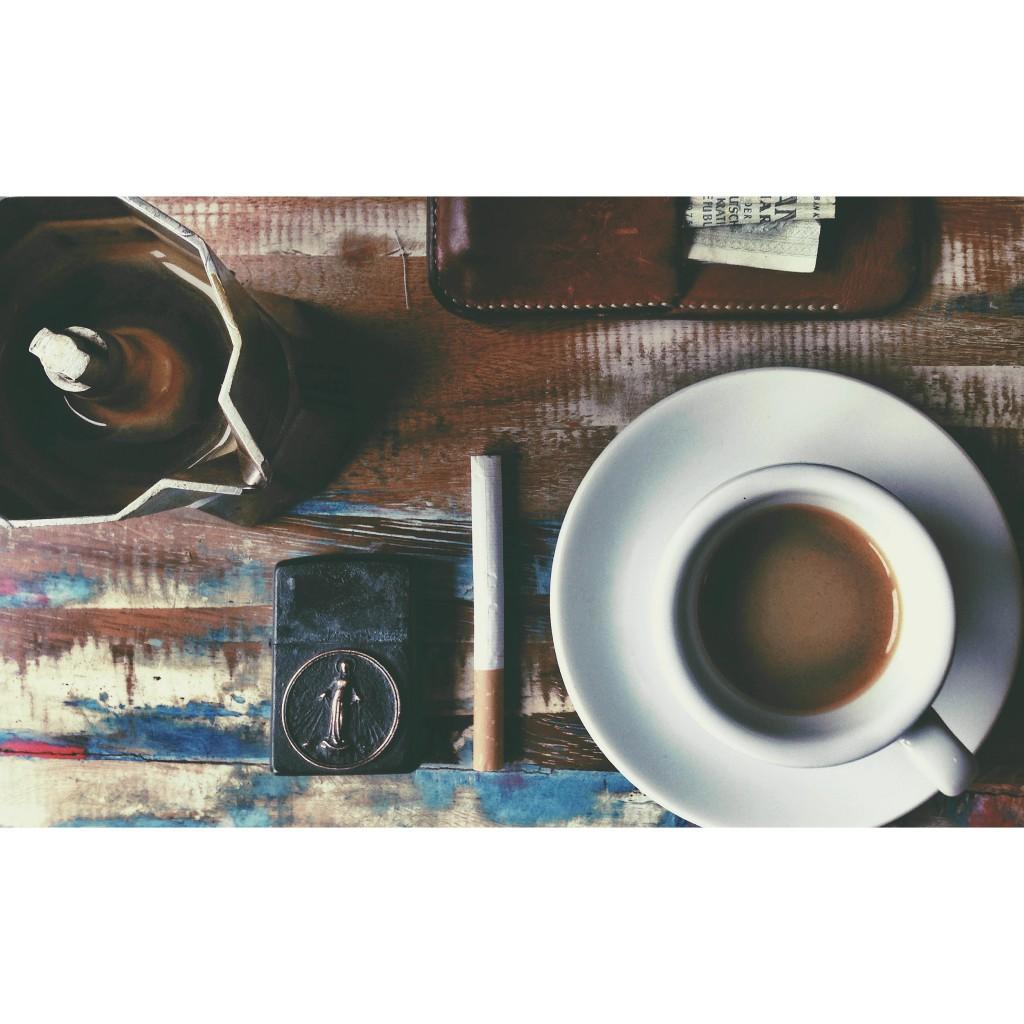 Joern Pollex Fotograf Hamburg Kaffee, Feinschmuck Iphonehülle Leder Zippo