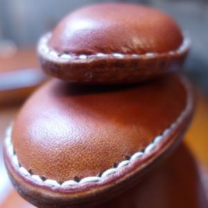 Ledersteine Handschmeichler Türstopper Paperweight
