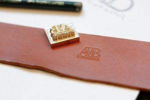 avb-manufaktur-logo-neu-greta-von-bronewski-design-grafik-6529